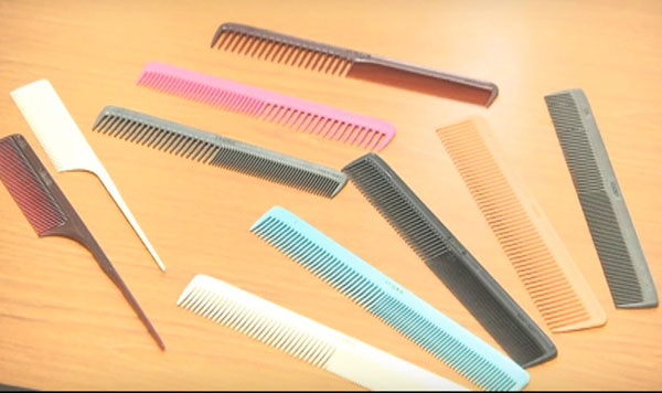 Plastic Comb Making Business Info in Hindi.